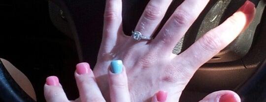 California Nails is one of Lugares favoritos de Jennifer.