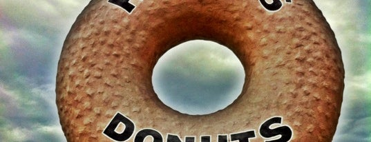 Randy's Donuts is one of Gotta Try Donuts!.