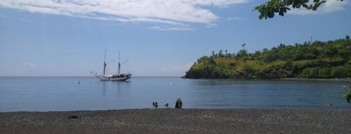 Pantai Amed (Amed Beach) is one of путешествия.