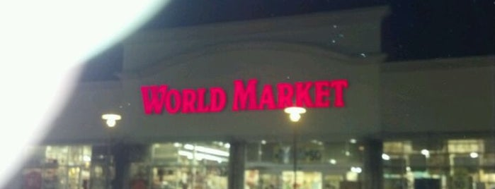 World Market is one of Cyrenaさんのお気に入りスポット.