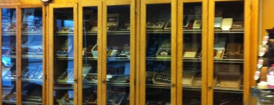 Gianni Cigars & Smoke Shop is one of Oust.