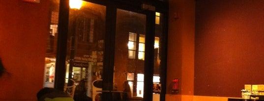 Starbucks is one of Locais salvos de Jason.