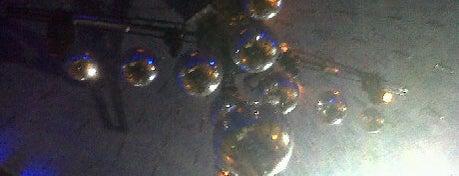 Diamond is one of Noche BAIRES.
