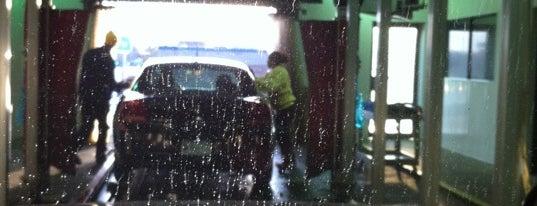 Mister Car Wash is one of สถานที่ที่ J ถูกใจ.