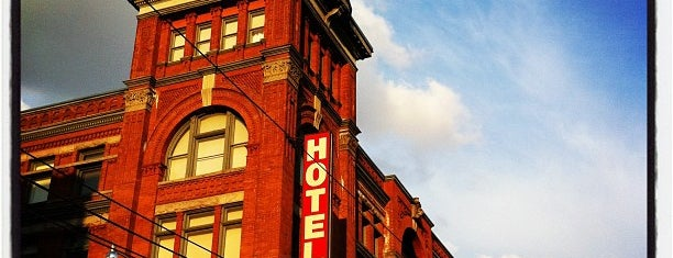 Gladstone Hotel is one of Lugares favoritos de Alled.