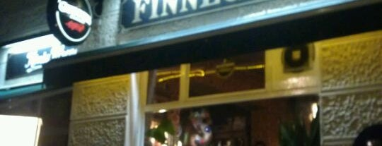 Finnegan's Irish Pub is one of Lugares favoritos de Thilo.