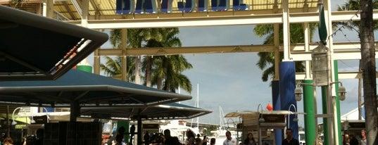 Bayside Marketplace is one of Lugares favoritos de Héctor.