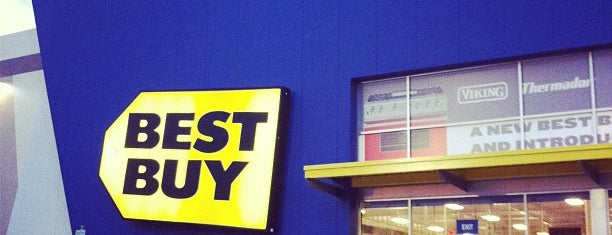 Best Buy is one of Tempat yang Disukai Jason.