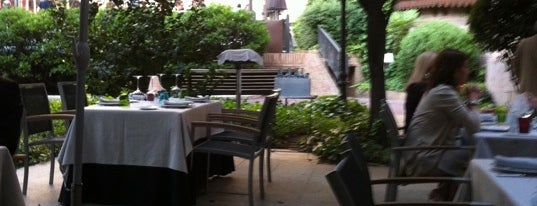 Restaurante Cien Llaves is one of Top Food in Madrid.