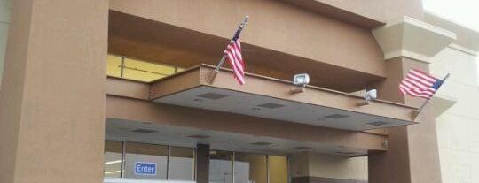 Walmart Supercenter is one of Gladys'ın Beğendiği Mekanlar.