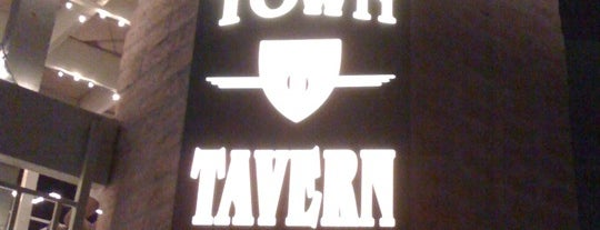Old Town Tavern is one of Phoenix.