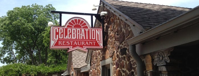 Celebration Restaurant is one of Lugares favoritos de Tom.