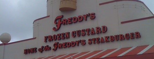 Freddy's Frozen Custard & Steakburgers is one of Lieux qui ont plu à Kathryn.
