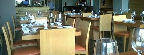 Nigiri Sushi Bar is one of Tempat yang Disimpan Alejandro.
