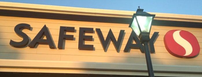 Safeway is one of Lugares favoritos de Peter.