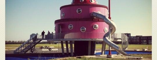 Het Klokhuis is one of Verassend Almere.