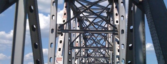 Junction Bridge is one of Lugares favoritos de Gavin.