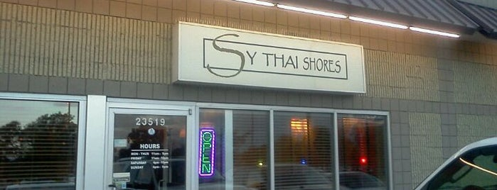 Sy Thai Shores Restaurant is one of Locais curtidos por Nina.