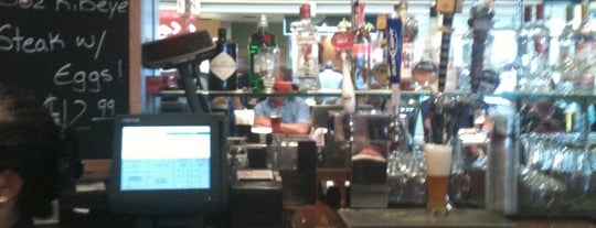 Gordon Biersch Brewery Restaurant is one of District of Beer.