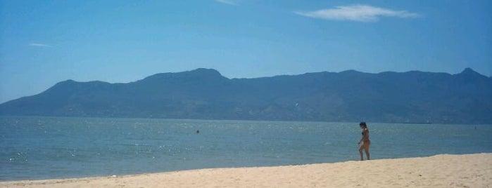 Praia das Cigarras is one of Praias de São Sebastião.