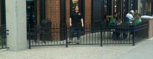 Dublin Square Irish Pub & Eatery is one of LAXgirl'in Beğendiği Mekanlar.