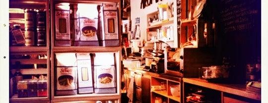 Aroma Kaffeebar is one of Best of Glockenbach.