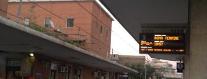 Stazione Caserta is one of Tempat yang Disimpan Luca.