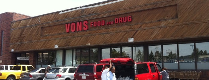 VONS is one of Lugares favoritos de Dan.
