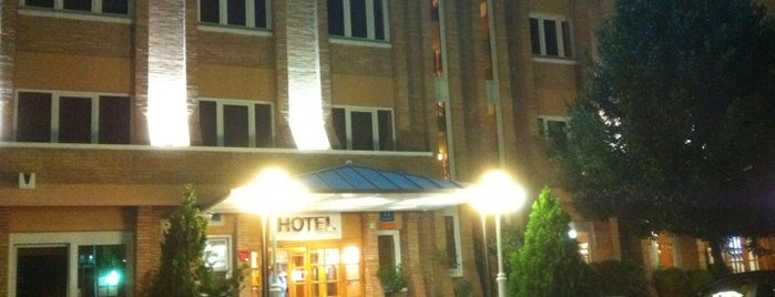 Hotel Las Brujas de Bécquer is one of De Tapeo con los Becquer.