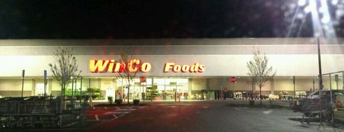 WinCo Foods is one of Lieux qui ont plu à Rosana.