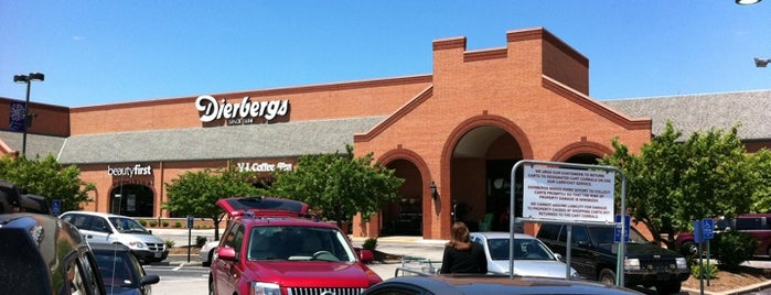 Dierbergs Markets is one of Christianさんのお気に入りスポット.