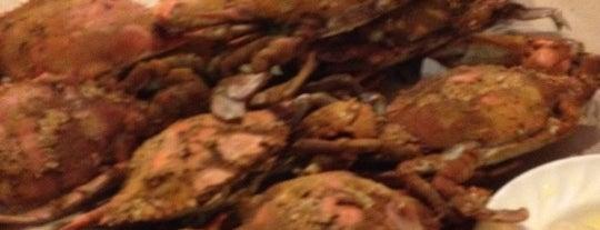 Lestardo's Crab House is one of Chris 님이 저장한 장소.
