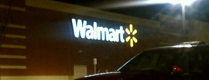 Walmart Supercenter is one of Locais curtidos por George.