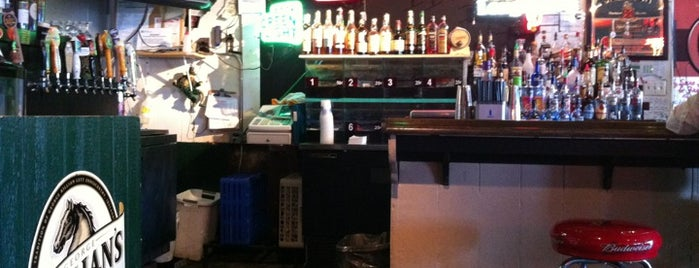 O'Malley's Irish Pub is one of Nathanさんの保存済みスポット.