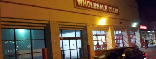 BJ's Wholesale Club is one of Posti che sono piaciuti a Ajay.