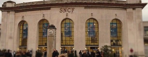 Gare SNCF de Versailles Chantiers is one of Went before.