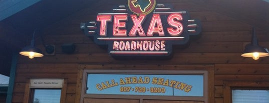 Texas Roadhouse is one of Lieux qui ont plu à Brandi.