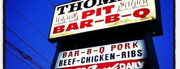 Thomas Pit BBQ is one of สถานที่ที่ Vince ถูกใจ.
