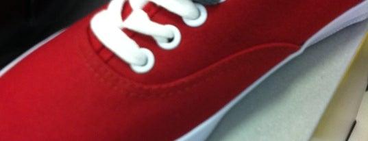 Payless ShoeSource is one of สถานที่ที่บันทึกไว้ของ Alvaro.