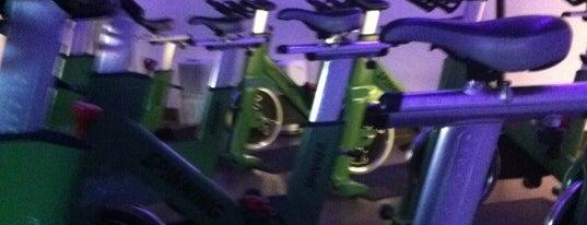 Revolution Fitness is one of Tempat yang Disimpan Craig.