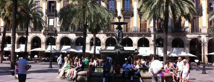 Plaça Reial is one of Favorite places in Barcelona.