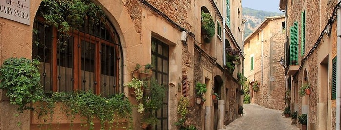 Valldemossa is one of Palma De Mallorca.