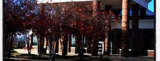 UREC Student Recreation Center is one of Tempat yang Disukai Madison.