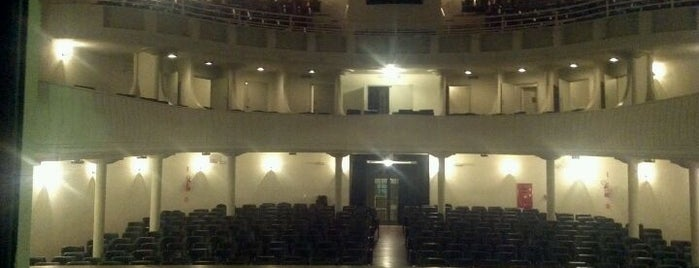 Teatro Álvaro de Carvalho (TAC) is one of Lugares que já dei checkin.