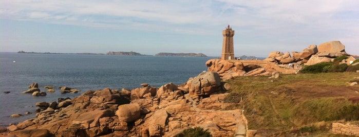 Phare de Ploumanac'h is one of Bretagne.