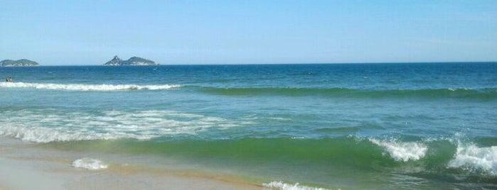 Barra da Tijuca Beach is one of Passeios.