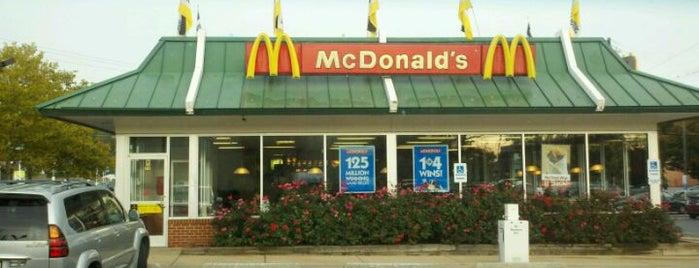 McDonald's is one of สถานที่ที่ Joanne ถูกใจ.