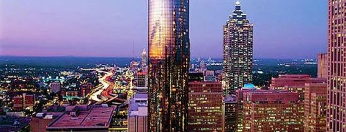 The Westin Peachtree Plaza is one of Locais salvos de Sonya.