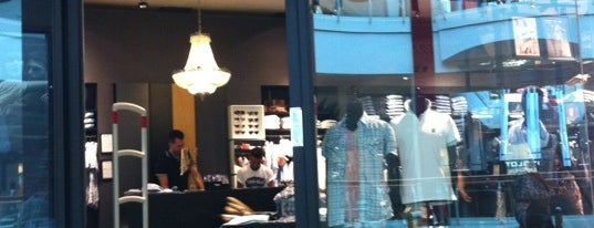 Pepe Jeans is one of Lugares favoritos de Yani.