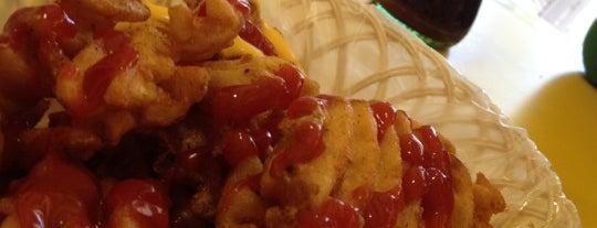 """Hamburguesas """"Las Originales de la Cuauhtemoc"""" is one of Donde comer sin carne.."""